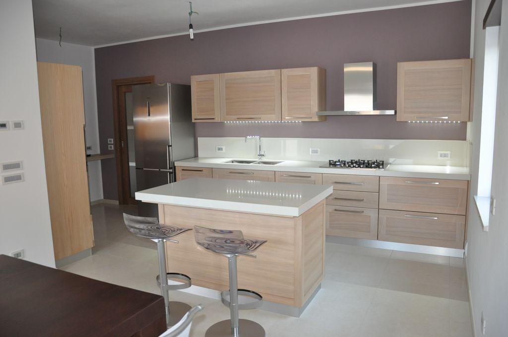 Cucine moderne artigianali in legno fadini mobili cerea for Isola cucina legno